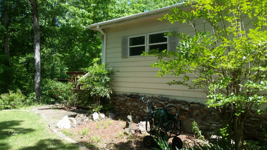 111 Little Bear Trail Hot Springs Arkansas back of house from deck